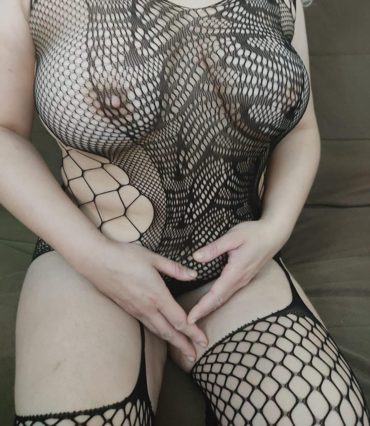 בלה-בחורה סקסית בבית ים